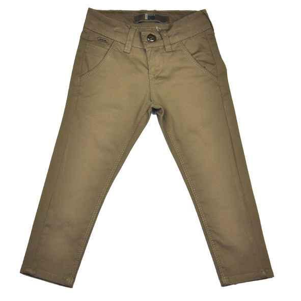 Детские брюки коричневого цвета.
