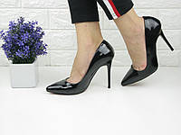 Туфли женские лаковые лодочки на шпильке черные