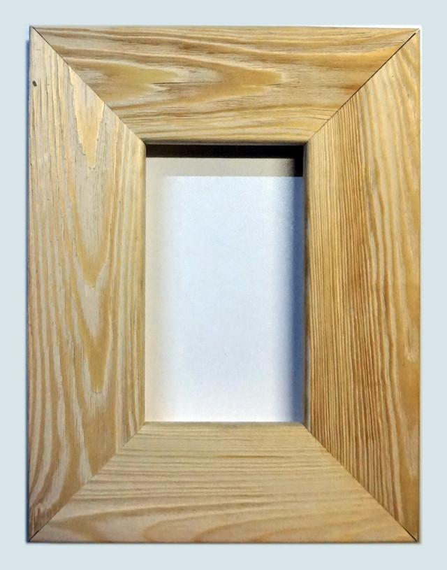 Рамка деревянная плоская с брашировкой под дуб шириной 75мм