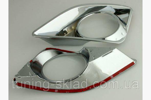 Хром накладки на противотуманки  Toyota Corolla 2007-2013 (Тойота Корола)