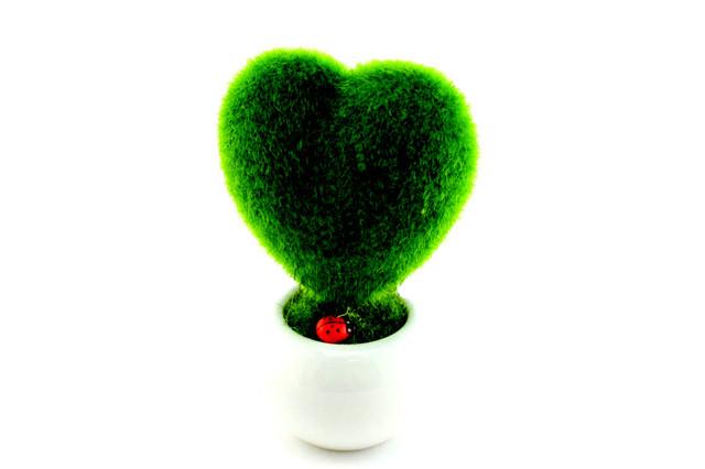 Декоративный вазон объемное сердце