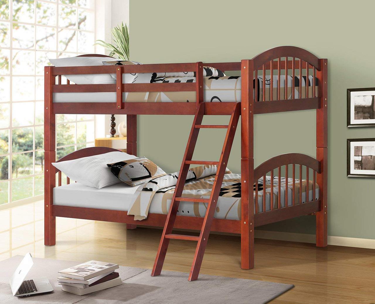 Двухьярусная кровать из натурального дерева