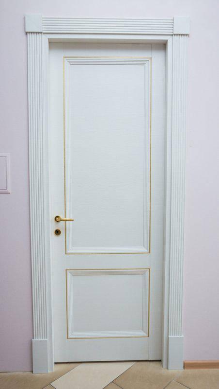 Межкомнатная дверь из массива дерева (классика). Модель 18.