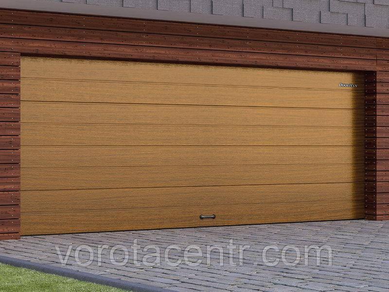 Автоматичні секційні гаражні ворота RSD02 ДОРХАН, DoorHan колір під дерево (Золотий дуб, Венге)