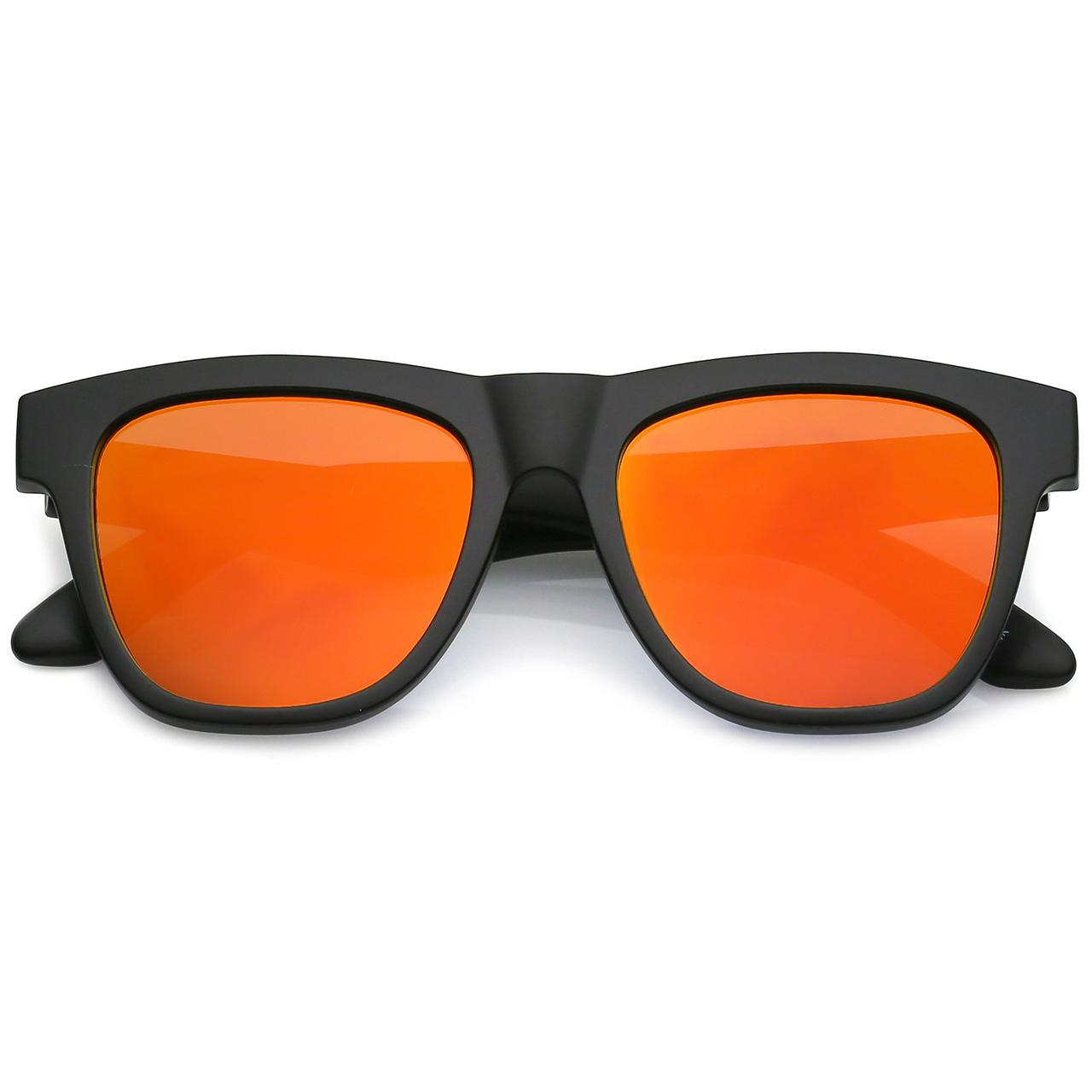 Мужские классические квадратные солнцезащитные очки в чёрной матовой оправе с серебряны зеркальными линзами