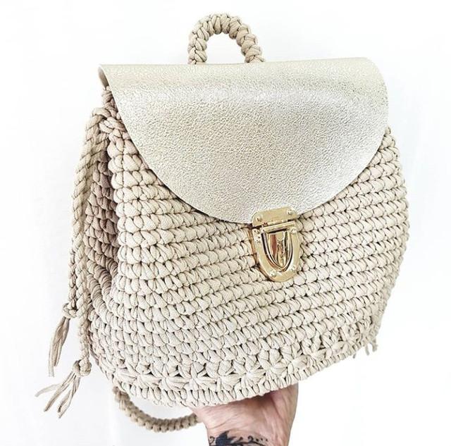Рюкзак, вязаный рюкзак, рюкзак из трикотажной пряжи, изделия из трикотажной пряжи, рюкзачок из ленточной пряжи