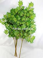 Ветка клена остролистного 50см искусственная с небольшими листьями(листья зеленые)