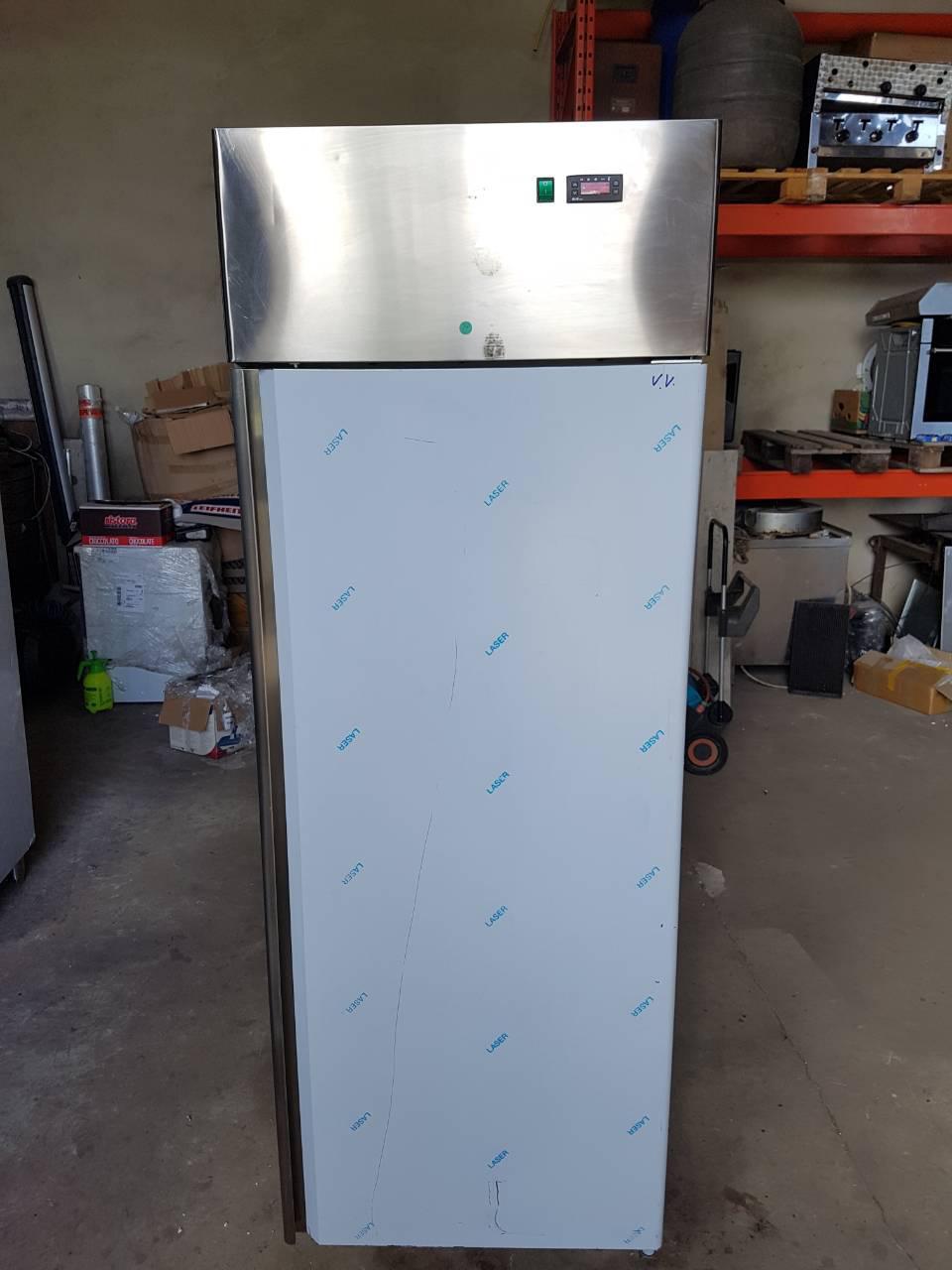 Холодильный шкаф TECNODOM (Италия)