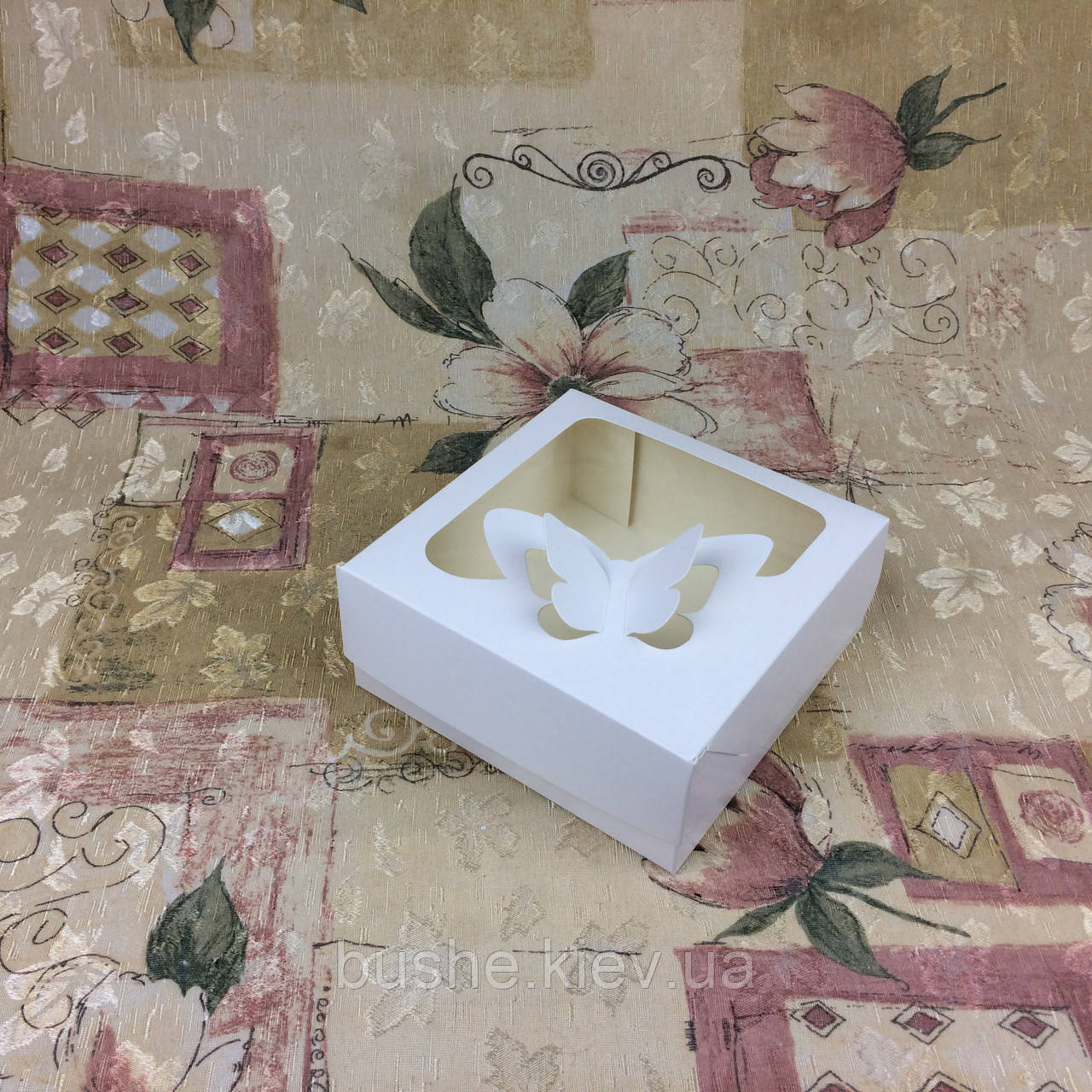 Коробка под зефир / *h=6* / 150х150х60 мм / Белая / окно-Бабочка