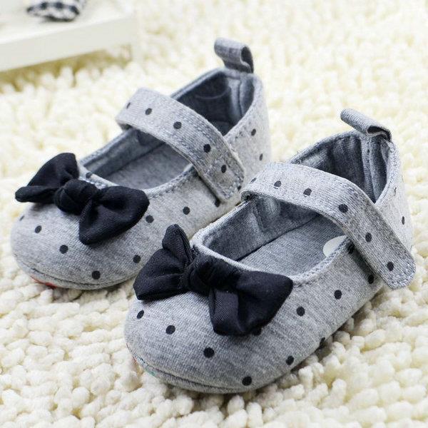 Перші туфельки для дівчаток - немовлят   продажа 3e8a9acad61e0