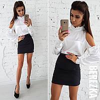 Женский костюм: шелковая белая блуза и короткая юбка