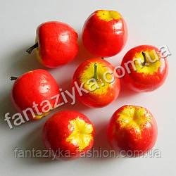 Яблоко искусственное для декора 35мм красно-желтое