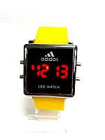 LED электронные часы в стиле Adidas