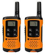 Рация Motorola TLKR T41 (0.5W, PMR446, 446 MHz, до 4 км, 8 каналов, 3xAAA), комплект 2шт., оранжевая, фото 1
