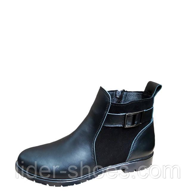 Женские стильные ботинки на низком каблуке