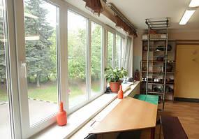 Пластиковое окно на лоджию Rehau 70