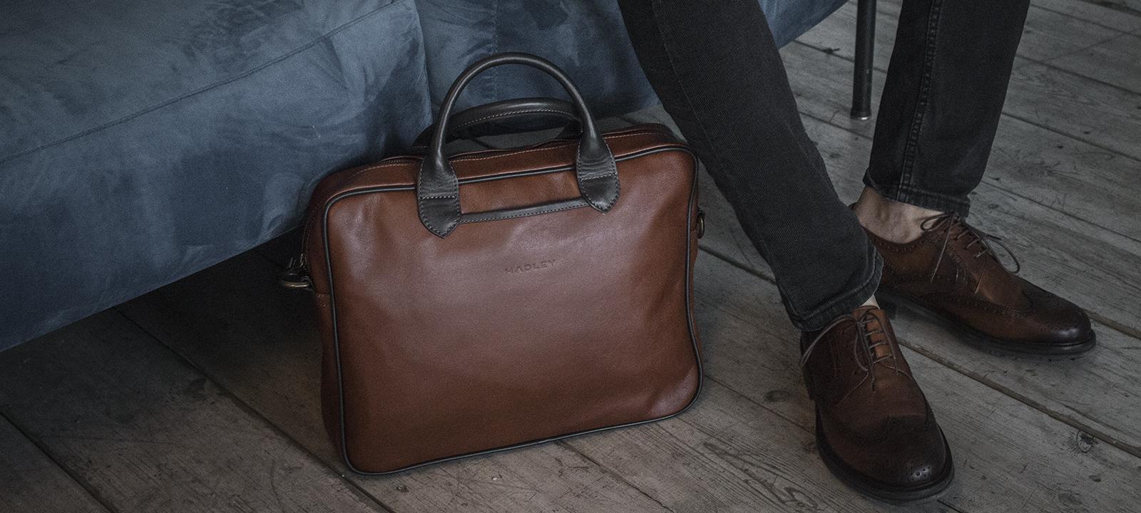 8b01749c 1; 2; 3. Женская сумка на пояс- клатч WeLassie черного цвета Бархат бордо
