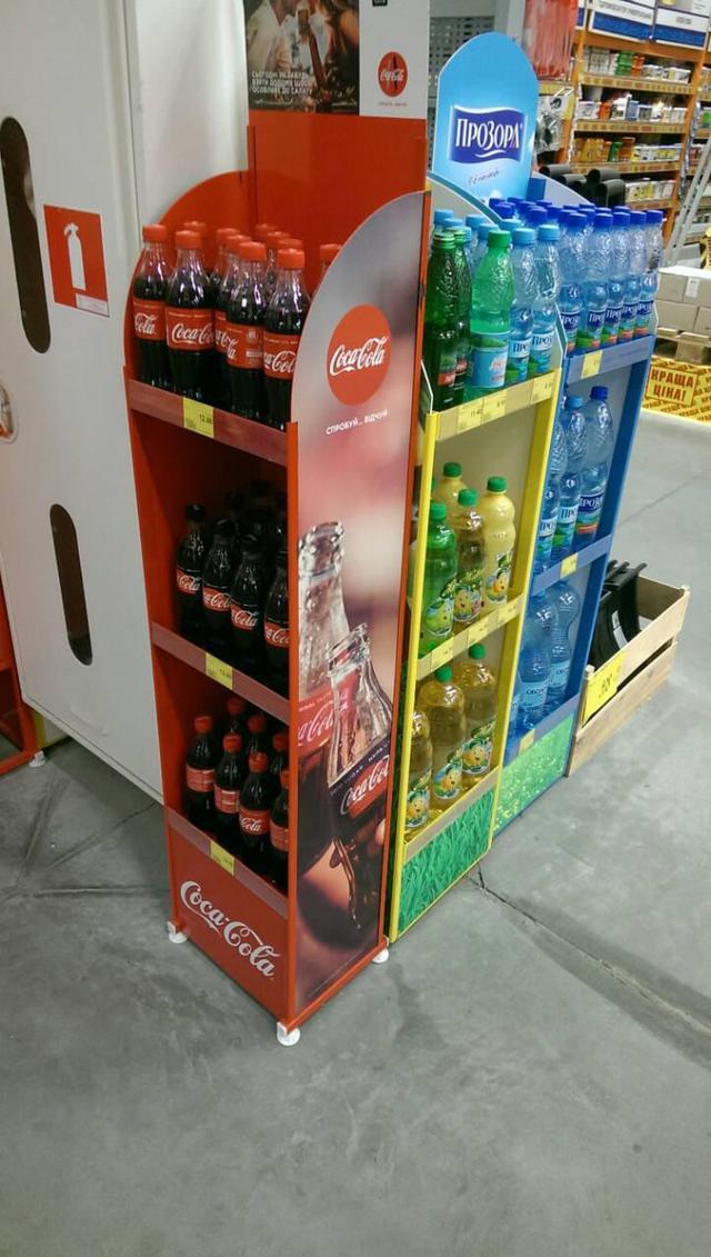 Стенды торговые для напитков Coca-Cola