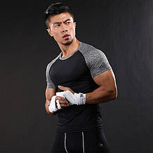 Мужская спортивная черная футболка