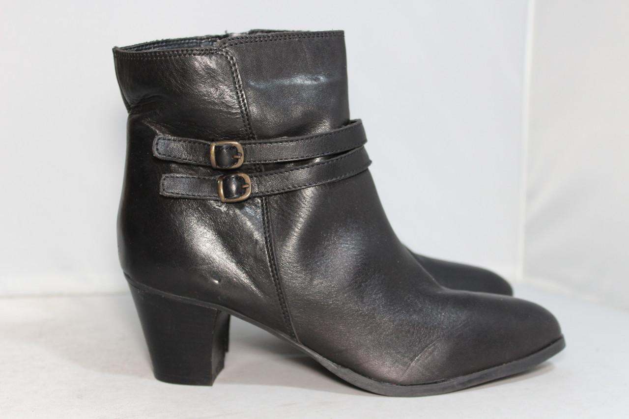 Женские кожаные ботинки Bata, 38р.