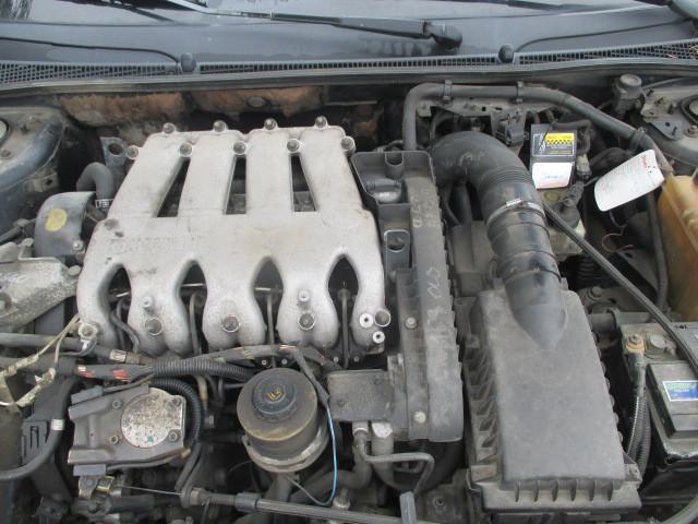Авто под разбрку Renault Laguna Scenic 2.2