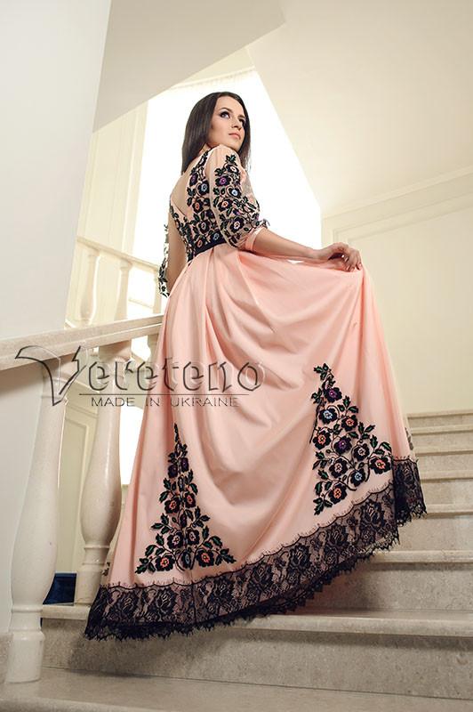 Вишита жіноча сукня 092c192d7b587
