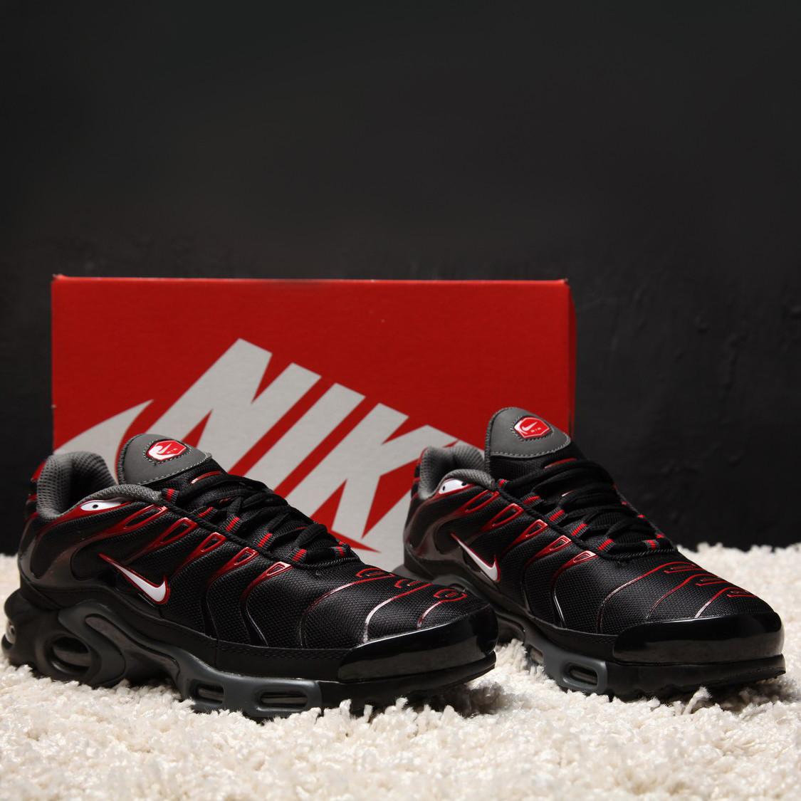 Nike Air Max Plus TN Black University Red Bred White (реплика)