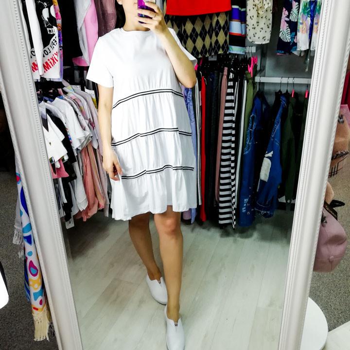 Платье белое с чёрно-белыми полосами- 510-188-2