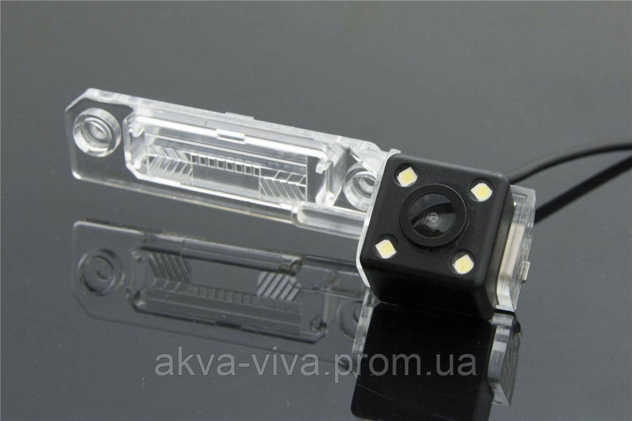 Камера заднего вида штатная для Volkswagen, Skoda Superb.