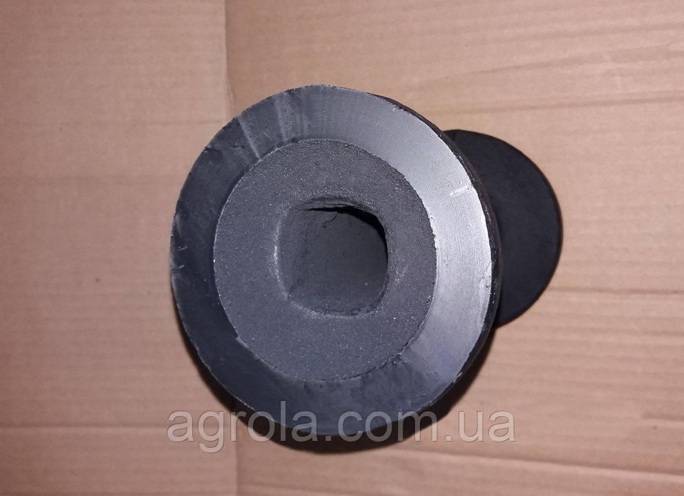 Втулка на вал в стойку дисковой бороны