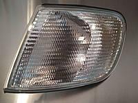 Audi 100 C4 90-94 поворотник передний белый левый указатель поворота мигач