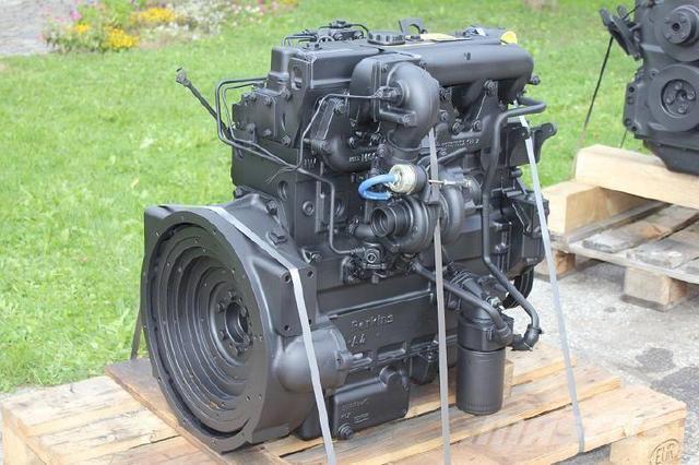 Фото двигателя экскаватора погрузчика JCB