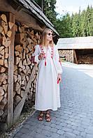Вишите лляне плаття з машинною вишивкою червного кольору