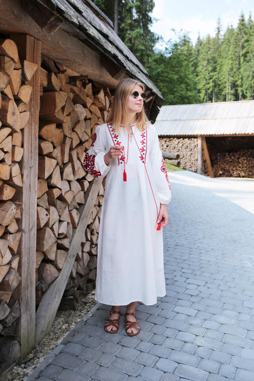 7734120cd0a87b Вишите лляне плаття з машинною вишивкою червного кольору - Інтернет-магазин  вишиванок для всієї сім