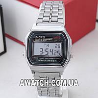Унисекс кварцевые наручные часы Casio 593 / Касио на металлическом браслете серебристого цвета