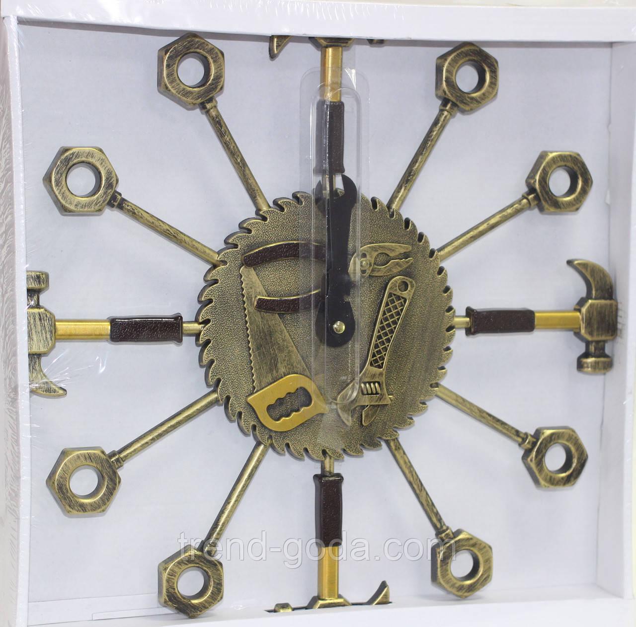 Часы настенные в форме набора инструментов, золотистые, d 37 см