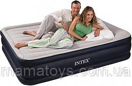 Двухспальная надувная  кровать матрас 64136 Intex 152 х 203 х 42 см встроенный электро насос 220В