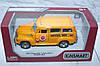 Машина металл KINSMART CHEVROLET SUBURBAN SCHOOL BUS 1950, 16*8*7 см.