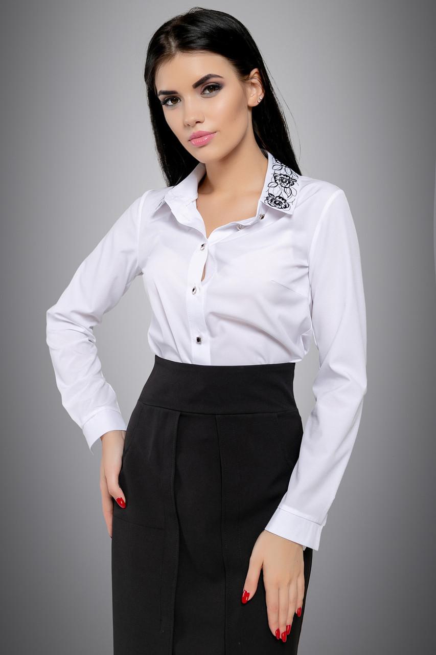 1a7d97ba9af Классическая белая блузка с вышивкой и отложным воротником 46-52 размера