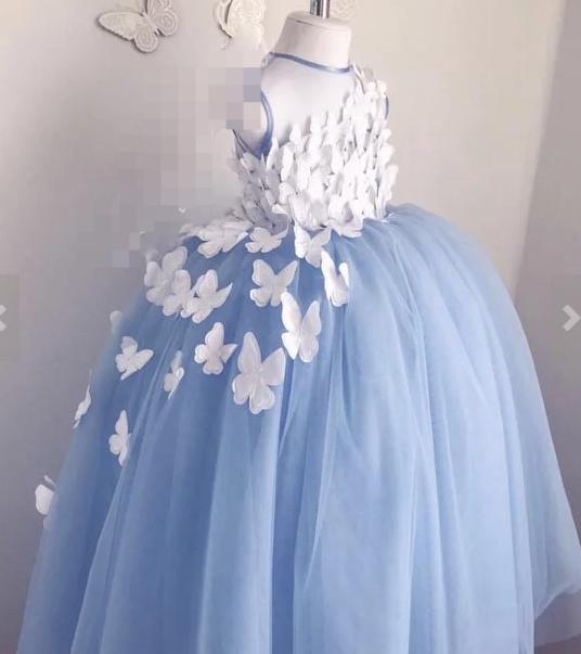 Сукня для дівчинки з метеликами