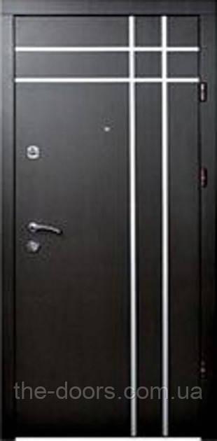 Дверь входная Статус модель М5 с молдингом