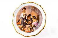 Тарелка декоративная с рисунком, фарфор с позолотой