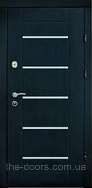 Двері вхідні Статус модель М404 з молдингом