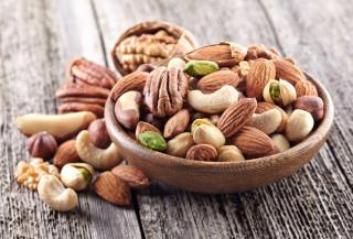 Витамин B6 и магний содержатся в орехах