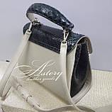 Женская бежевая кожаная сумка SABINA с изумрудным питоном, фото 4