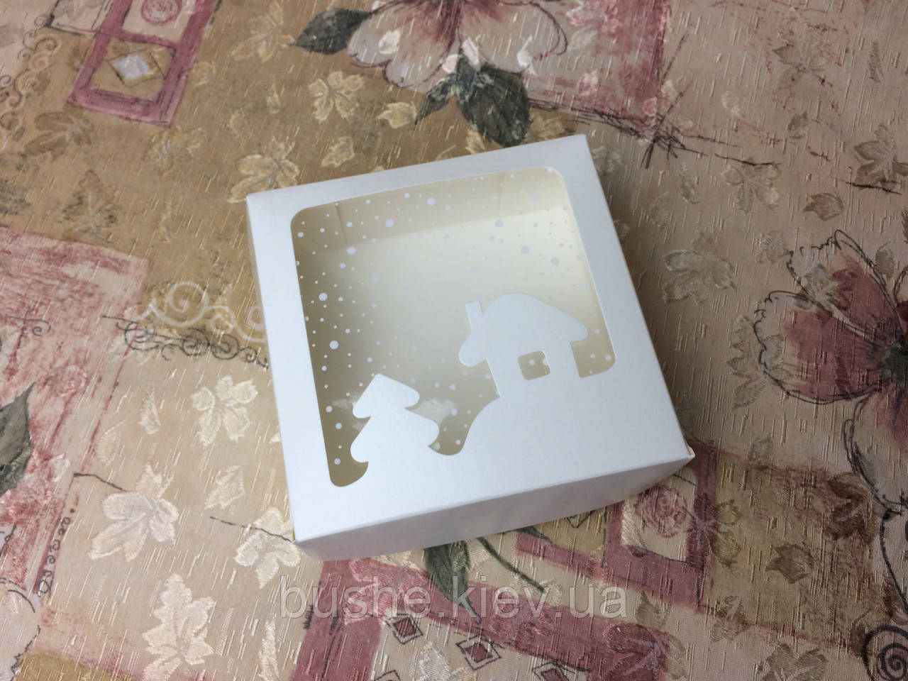Коробка под зефир / *h=6* / 150х150х60 мм / Молочн / окно-НГ / НГ