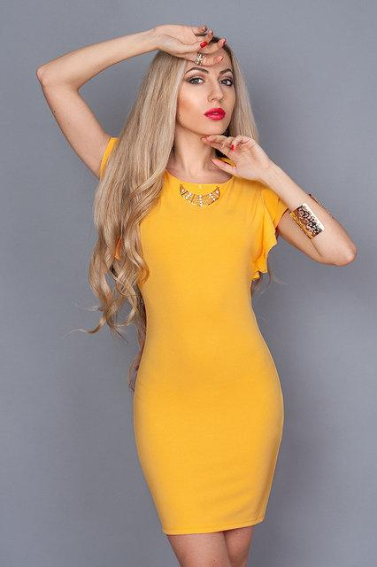 Платье с коротким рукавом и замком на спине