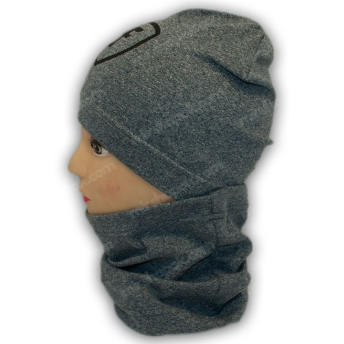 Трикотажная шапка с хомутом