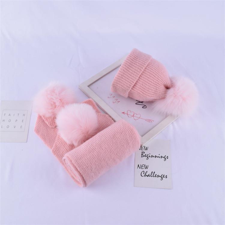 Детский набор шапка + шарф с помпонами розовый