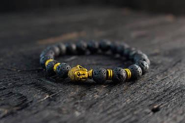 Браслет из лавы с золотистым Буддой